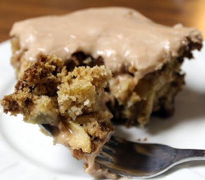 slow cooker applesauce cake