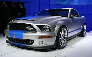 Carro deportivo gris