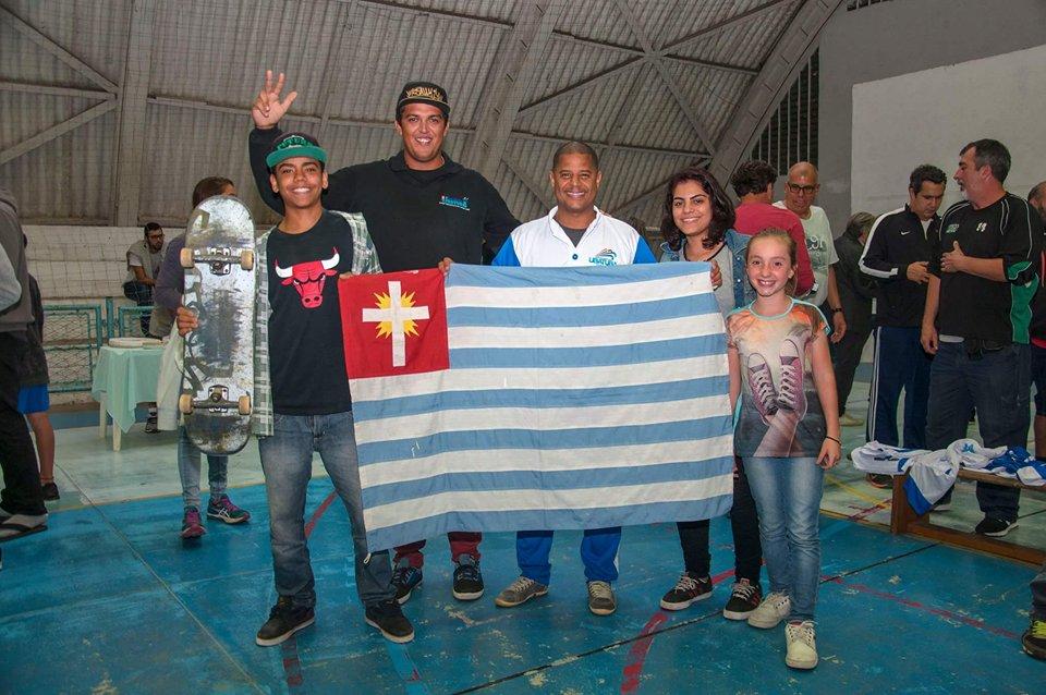 Skatistas da Delegação Ubatuba para os Jogos 2017.