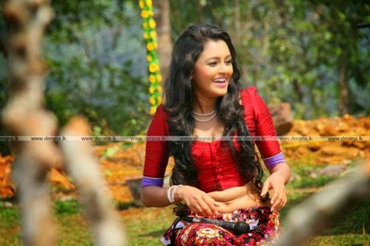 Dinakshie Priyasad  tummy