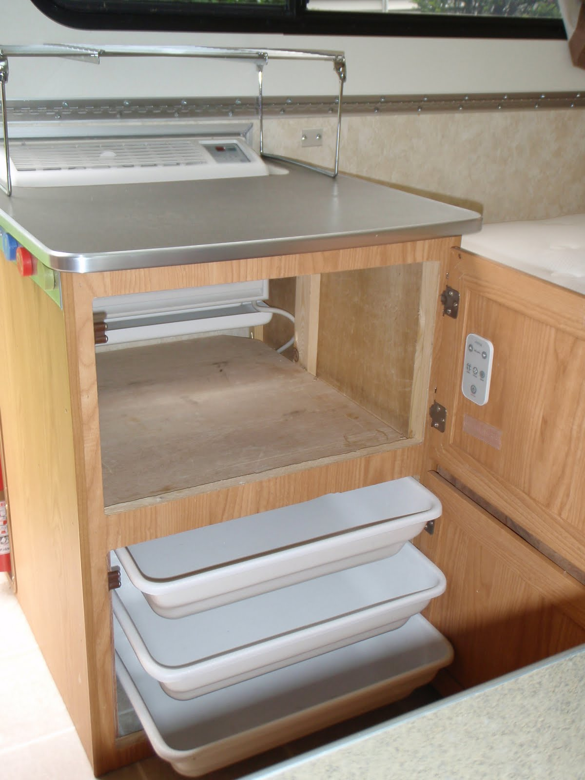 Lester's Camper on Pinterest Campers Air Conditioners and Trailers #916E3A
