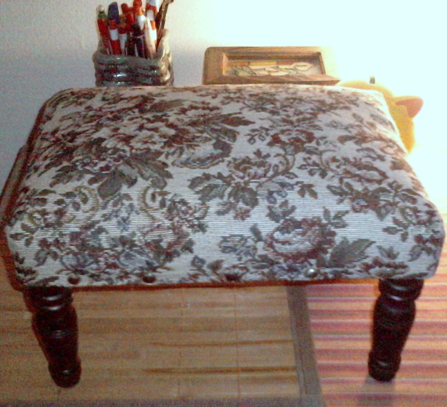 Telas cajas y tinajas reciclando ropa tapizar muebles - Muebles para tapizar ...