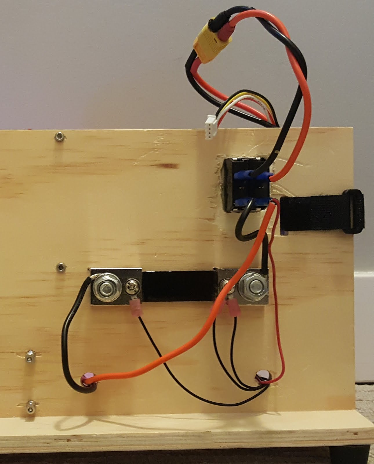 EE Projects - Electrical Engineering Projects: Test Bench For QuadCopter