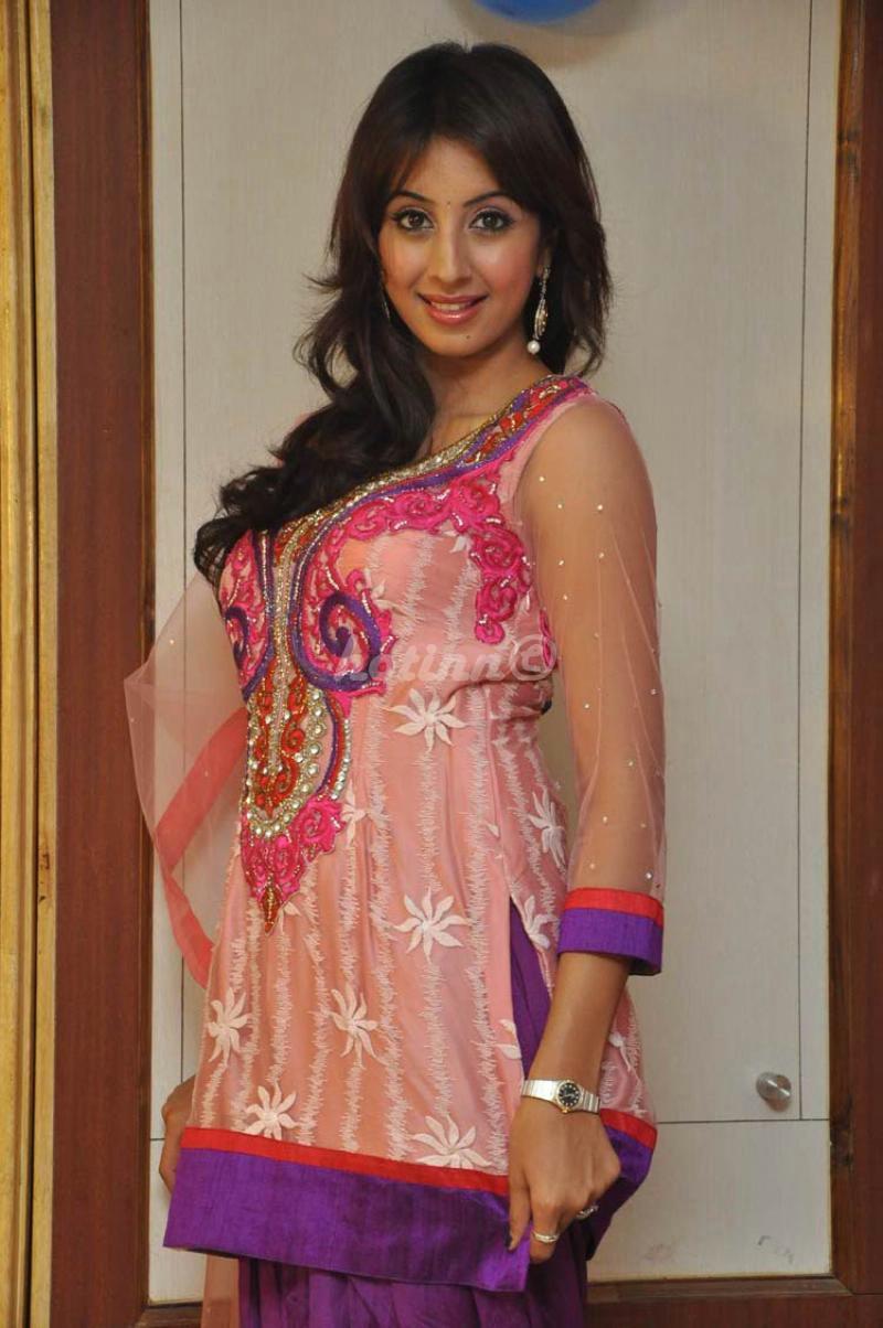 Hot inn: Telugu Actress Sanjana New Photoshoot stills