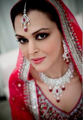 Bridal Makeup Photos Pictures 2013: Rose Beauty Parlour ...
