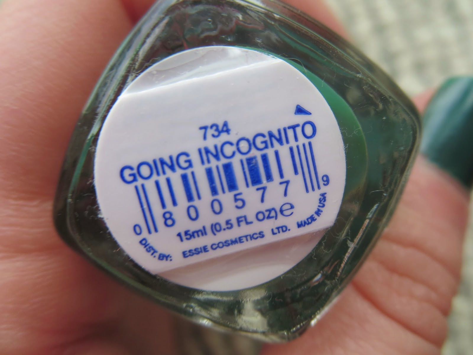 a picture of Essie Going Incognito nail polish