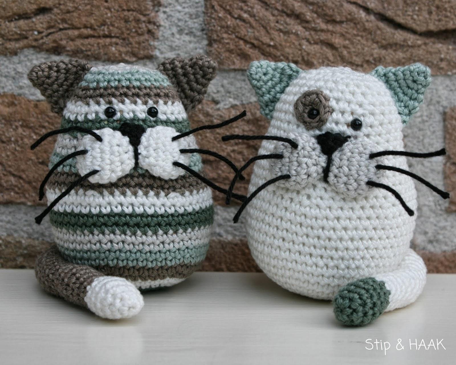 Free Crochet Cat Doorstop Patterns : Romy ?bersetzts - Handarbeit auf deutsch: Geh?kelte Katze