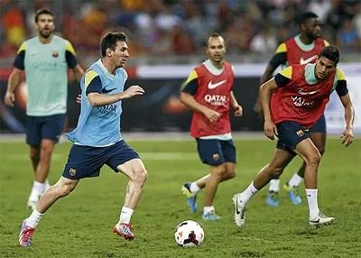 Lionel Messi - Barcelona vs Malaysia