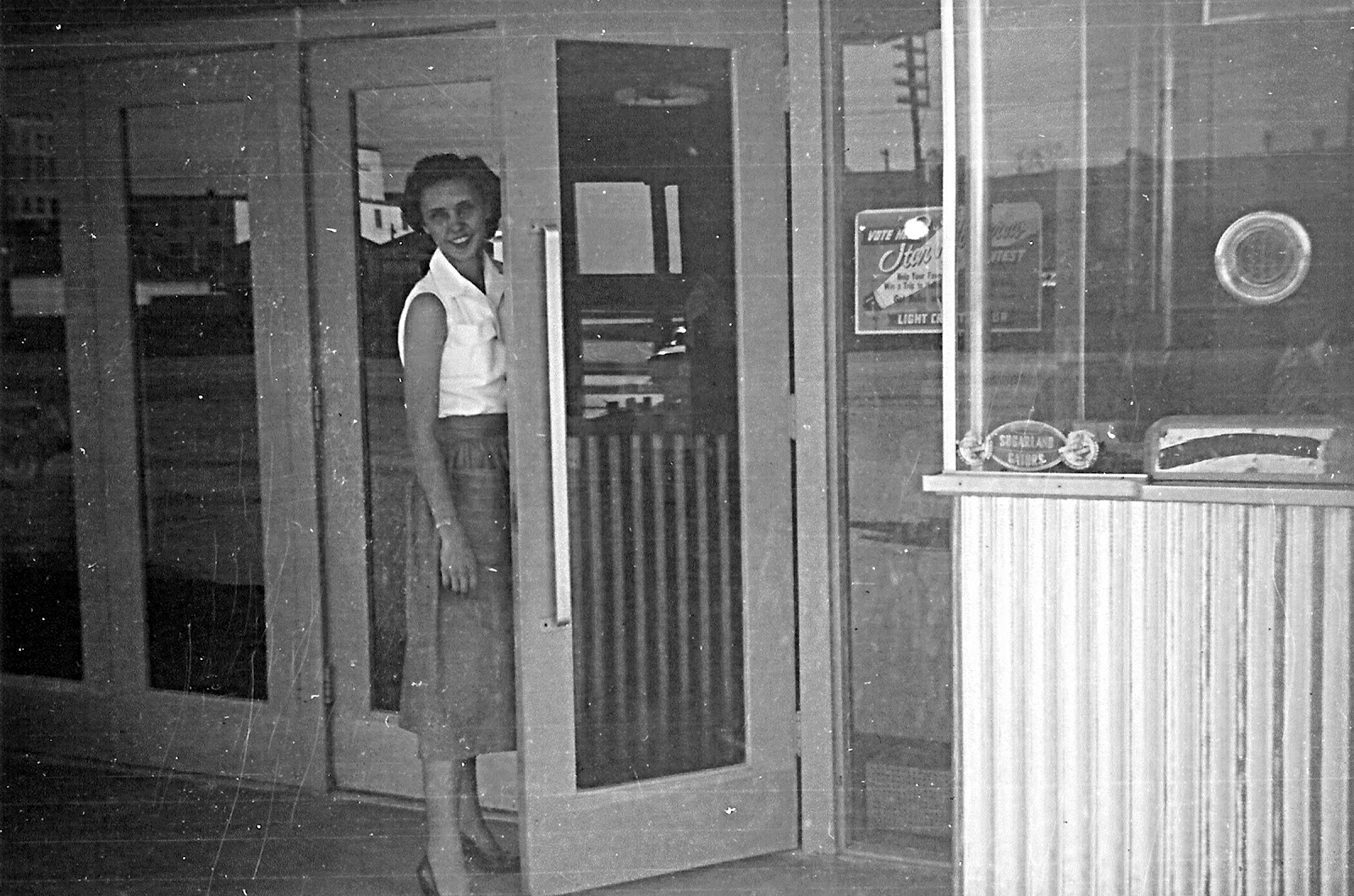 The old sugar land club house palms theater dairy queen for 1950s front door