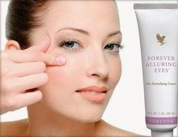 Forever Alluring Eyes® là loại kem dưỡng phục hồi sức sống cho vùng da dưới mắt