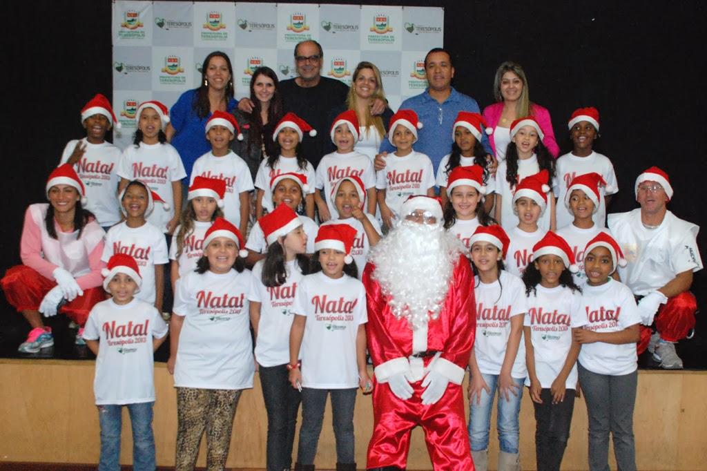 Coral infantil da Escola Municipal Aclimea de Oliveira Nascimento