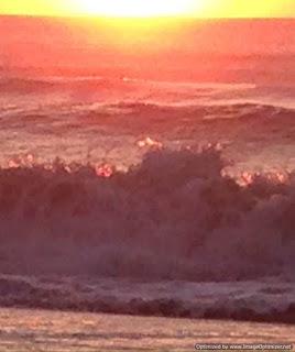 un amanecer en la orilla del mar en Cariló