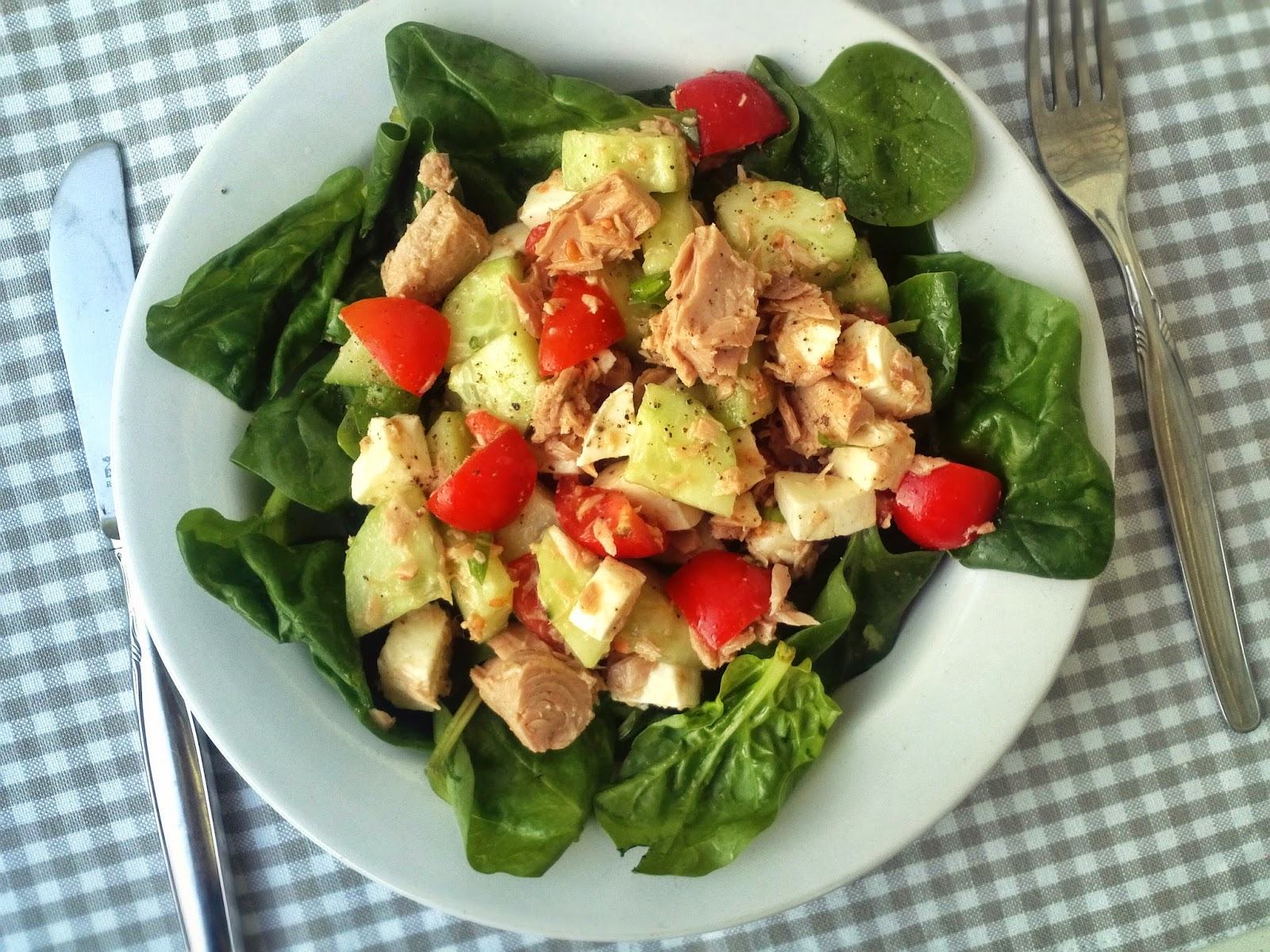GRAZING WITH DANI: Caprese Tuna Salad