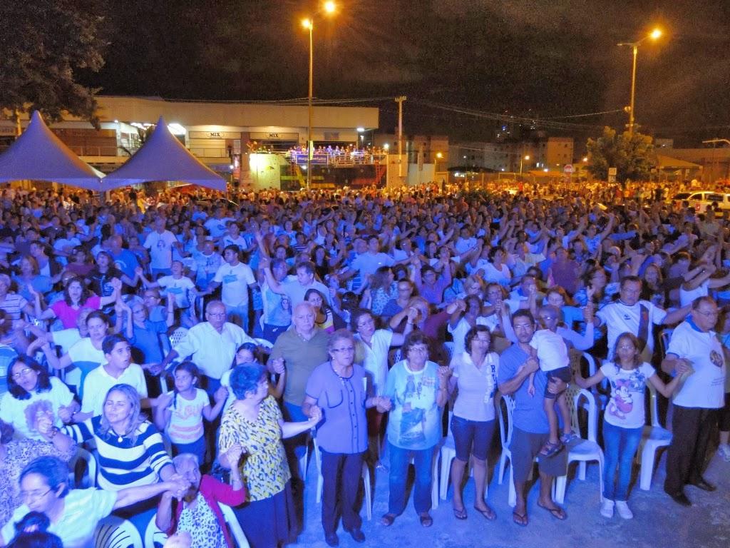 http://armaduracristao.blogspot.com.br/2013/11/louvor-e-missa-esperam-passagem-da.html