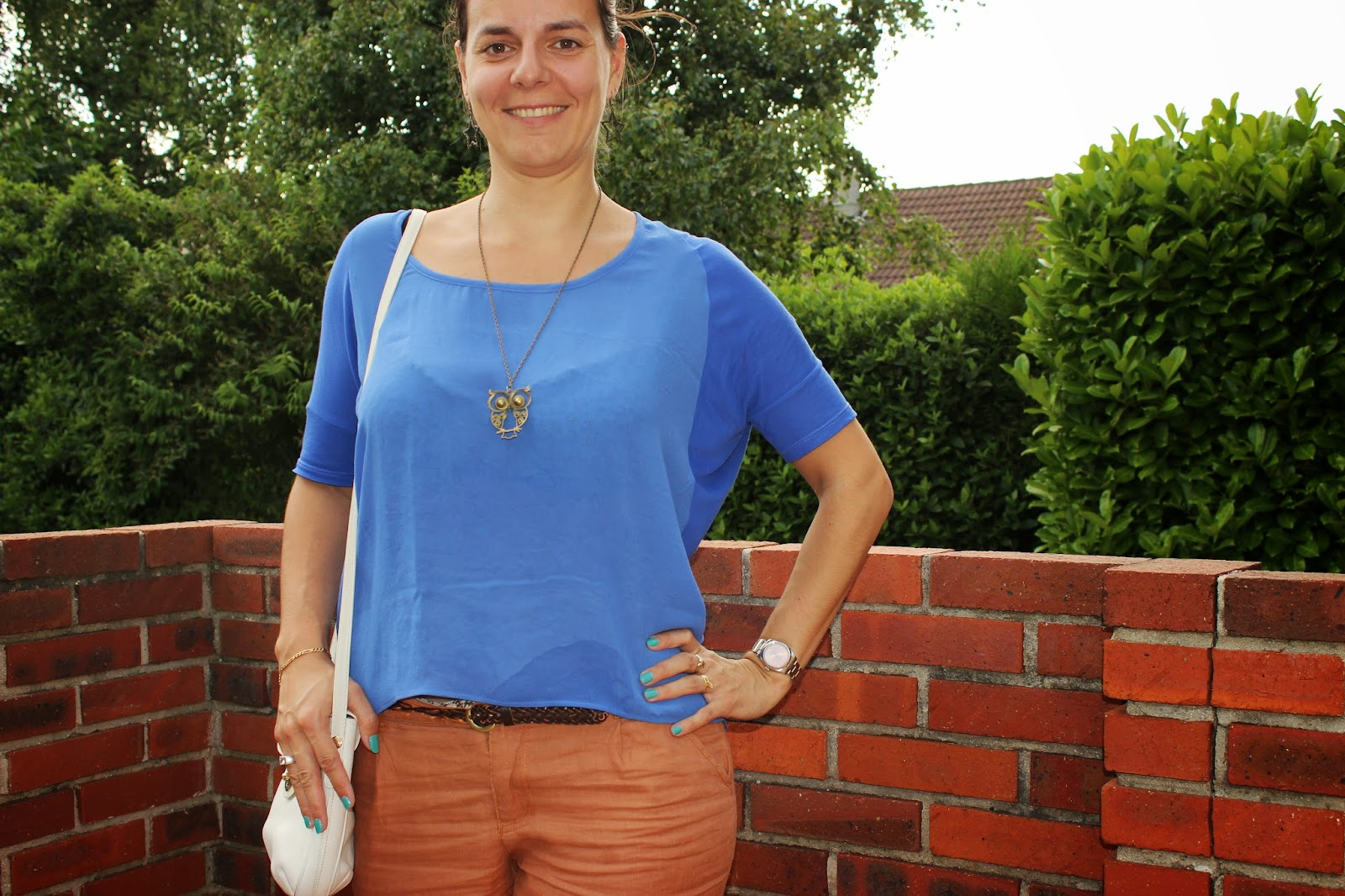 top bleu bimatière mango pantalon charlise sac Chanel