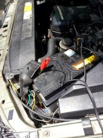 ปั๊มลมติดรถยนต์  เครื่องปั๊มลมขนาดเล็ก