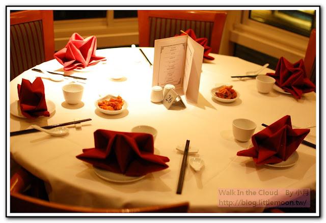 王朝餐廳晚宴桌