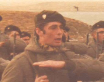 Teniente Primero I (Post-Mortem) ROBERTO ESTEVEZ (24/02/1957 - 28/05/1982). GUERRA MALVINAS 1982.