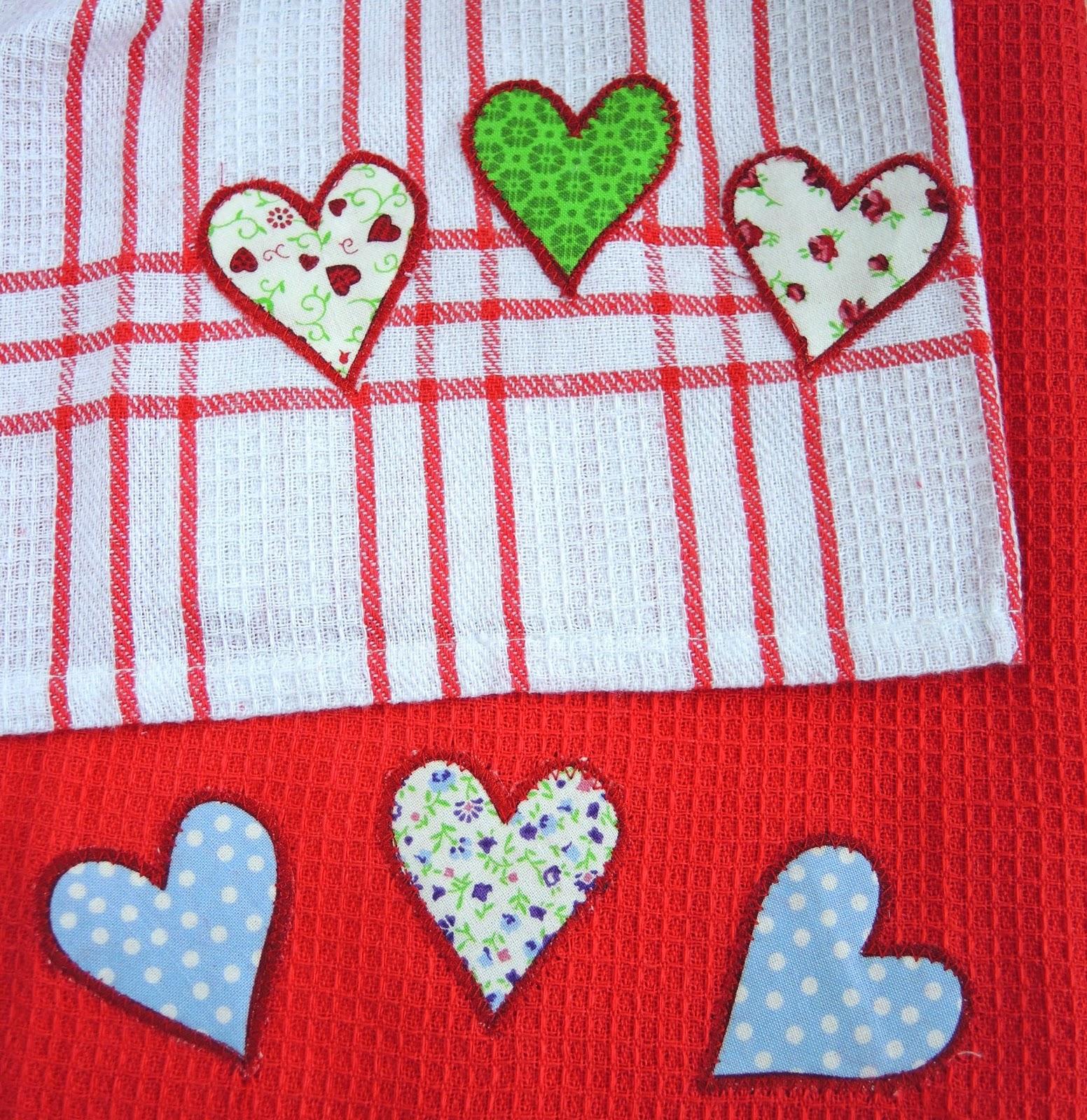 towel for the kitchen.jpg, applique, cotton, кухонные полотенца, набор кухонных полотенец, кухонное полотенце вафельное, кухонное полотенце своими руками, подарочные кухонные полотенца, набор кухонных полотенец подарочный, ткань для кухонных полотенец, красивые кухонные полотенца, как сшить кухонное полотенце, полотенце, полотенце для кухни, подарок своими руками, handmade, towel, towel for the kitchen, gift, present, хлопок, красный, клетка, аппликация