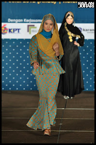 EMYSTIC IN KARNIVAL HIJABISTA