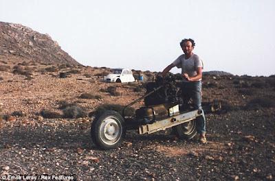 Pria ini Menyelamatkan Hidup di Tengah Gurun
