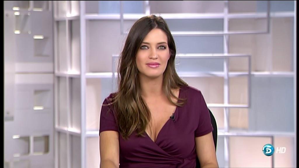 SARA CARBONERO, INFORMATIVOS TELECINCO (13.11.13)