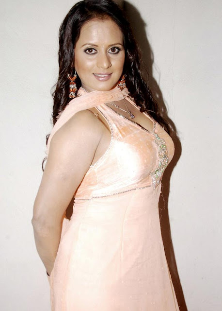 tanisha stunning in churidar actress pics