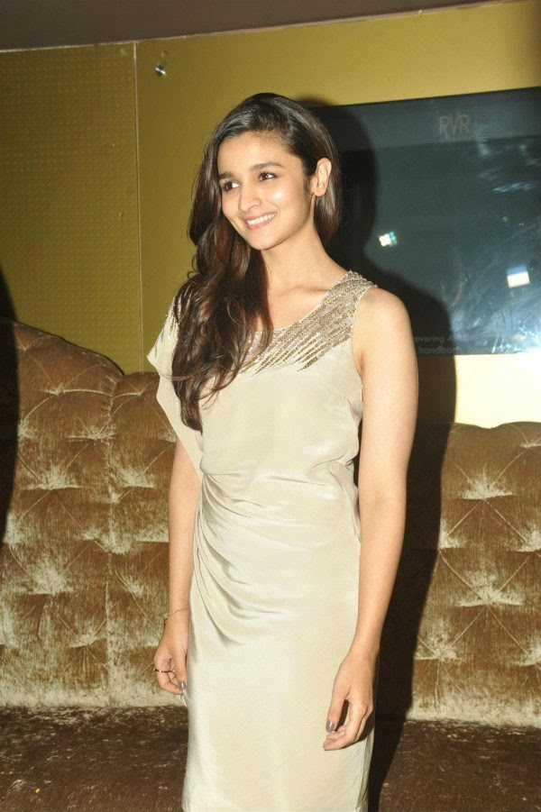 Alia Bhatt During 2 States Movie Promotion