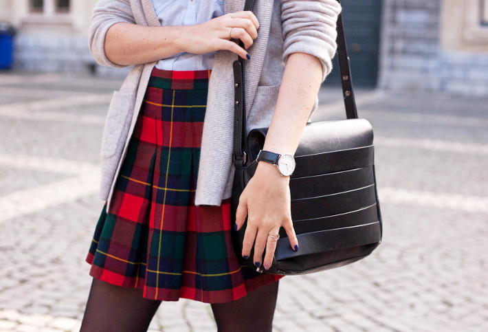 outfit: plaid mini skirt, Daniel Wellington watch
