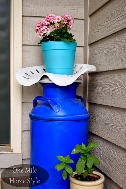 Flower Tour & Outdoor Spring Decor Tips | One Mile Home Style - Milk Can and Flowers