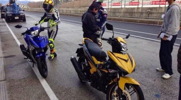 Varian Terbaru Yamaha Exciter 150 2015 Diuji Coba Rossi Dan Lorenzo