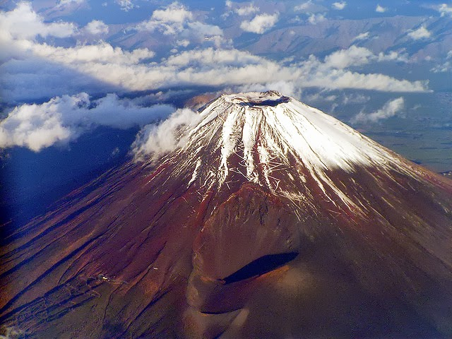 10 Most Famous Volcanoes in the - 89.4KB