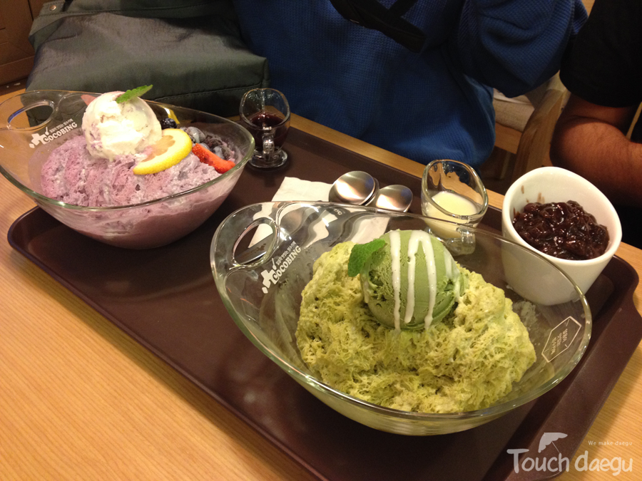 Greentea bingsu, berry bingsu from cocobing