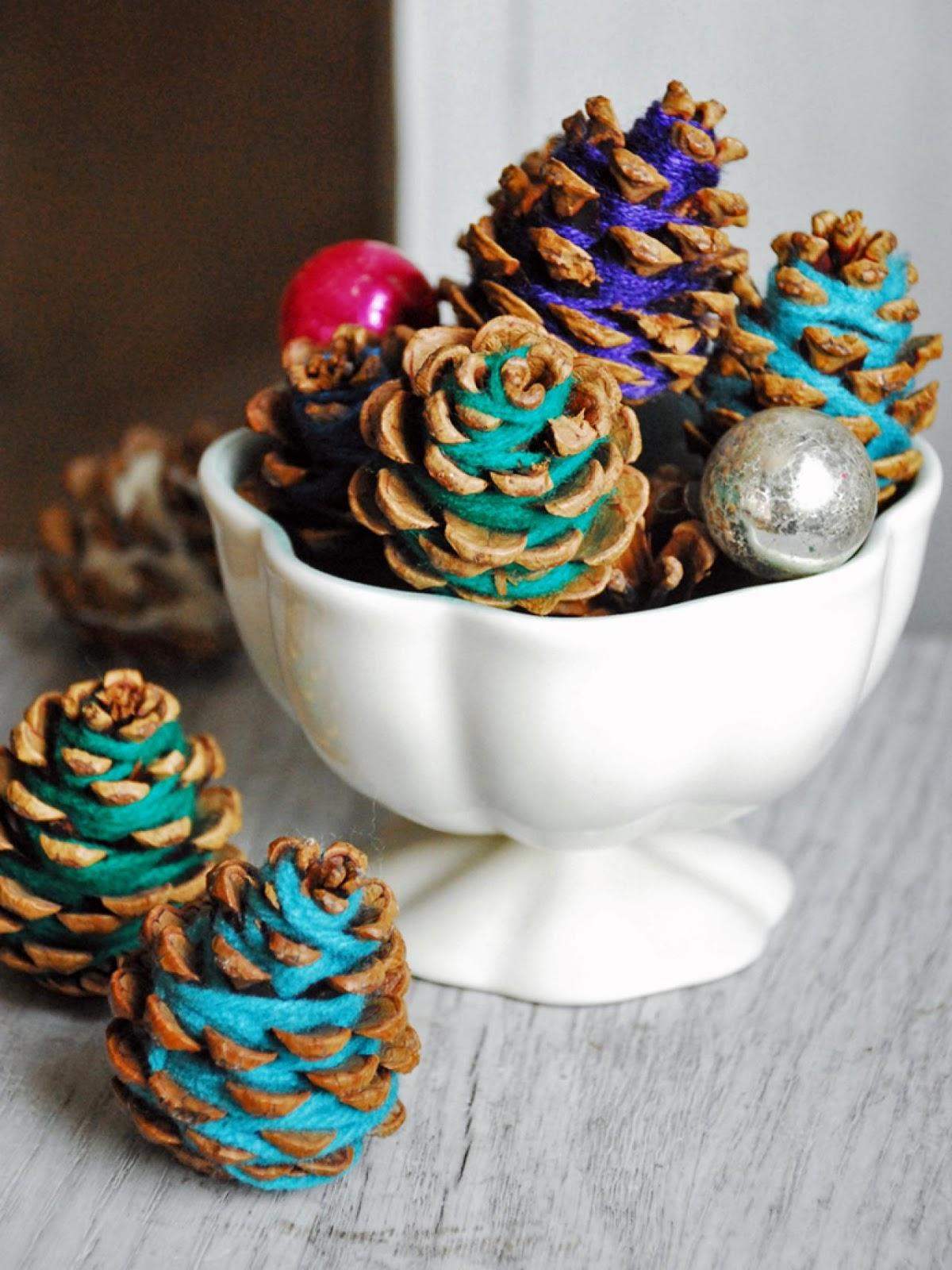 10 incredibili decorazioni natalizie economiche e fai da - Pigne decorate natalizie ...