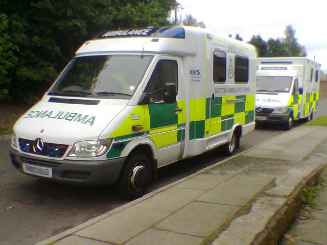 Gambar Mobil Ambulance 21