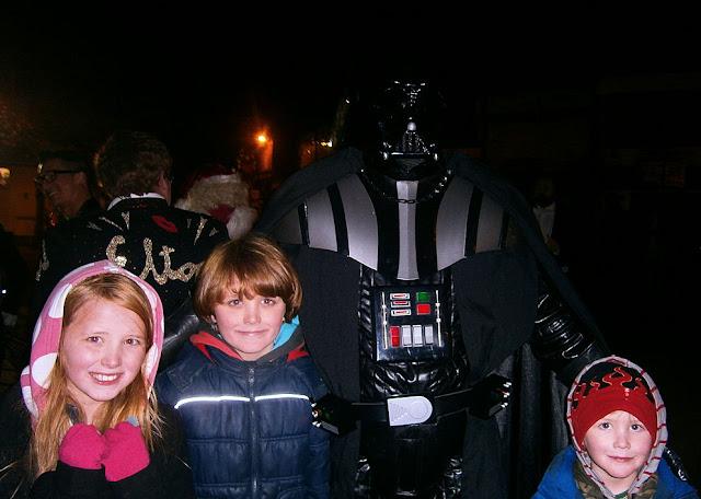 darth vader swadlincote christmas lights 2012
