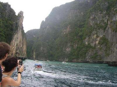 Pulau Paling Eksotis Diseluruh Thailand pulau Phi Phi