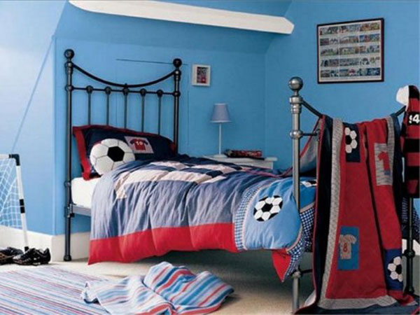 Interior design decorating ideas soccer or football theme for Boys football bedroom ideas