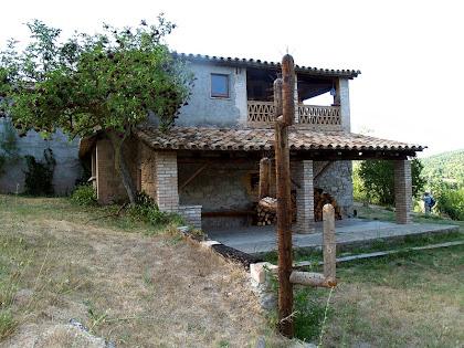 El porxo del cantó sud-est de Fontcendra