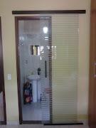 Porta de closet de correr filetada. Postado por AF4 TEMPER VIDROS às 18:58