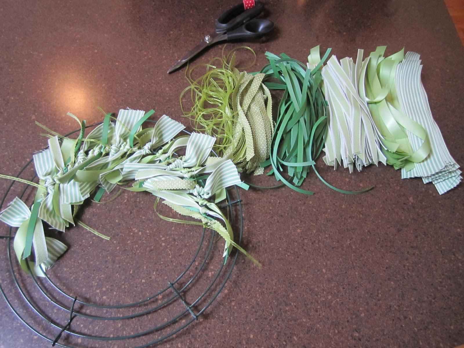 Making+green+ribbon+wreath