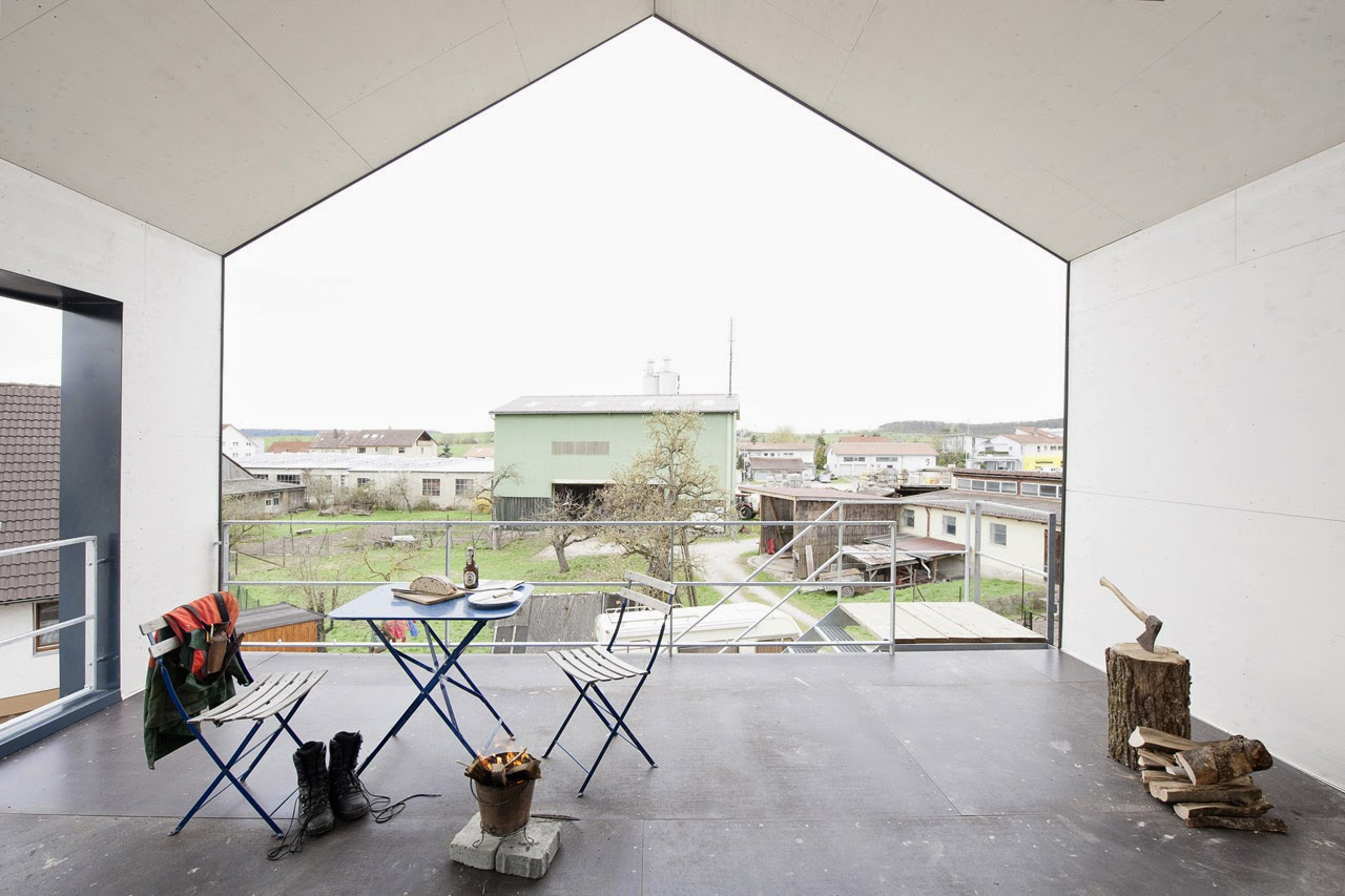 Minimalistisches Haus um einen Unimog - die günstige Verbindung zwischen Wohnen und Hobby