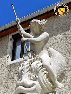 http://patrimoine-de-lorraine.blogspot.fr/2014/03/chalaines-55-fontaine-au-dauphin.html