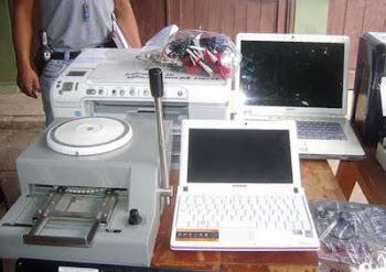 """estas máquinas utilizaban los """"clonadores"""" de tarjetas de crédito en Bolivia"""