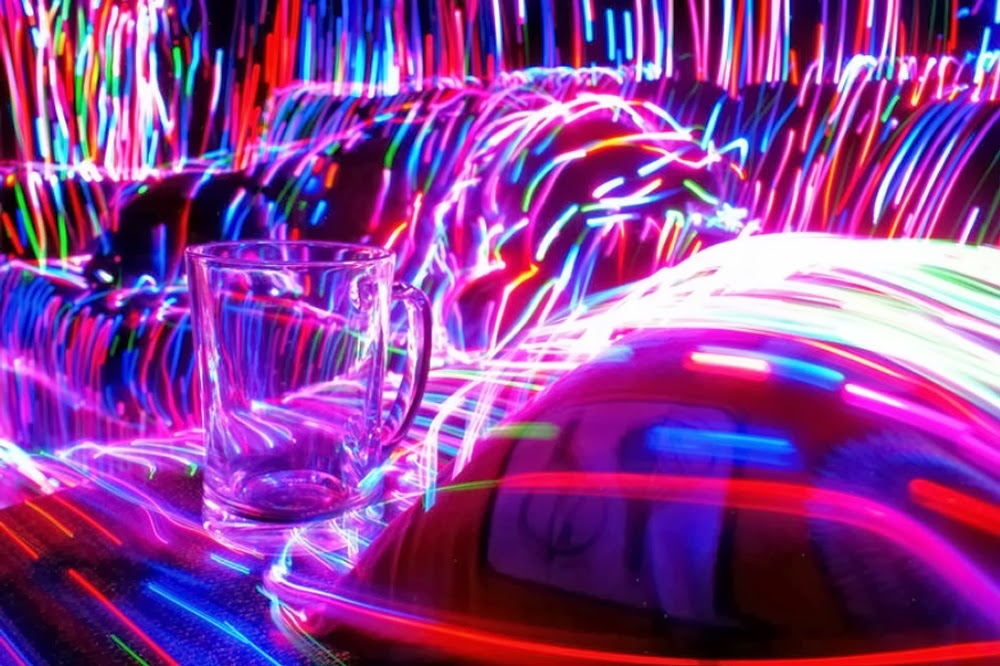 07-Lonely-Heart-Club-Janne-Parviainen-Light-Painting-Photography-www-designstack-co