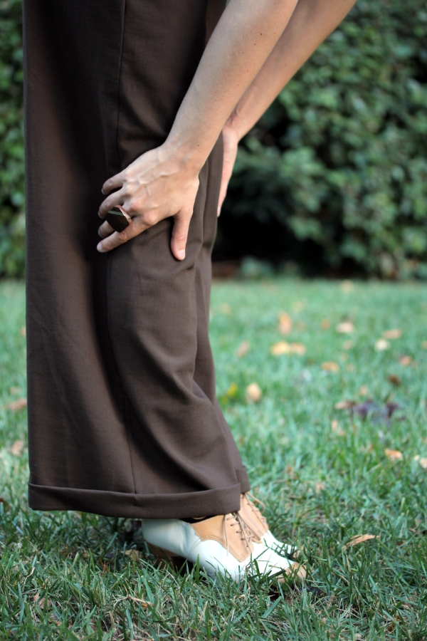 Detail on Vintage Style Trousers & Oxfords #vintage #pants #shoes #fashion