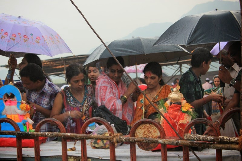 Amid heavy rains, Ganesha idol puja before visarjan in Mumbai during Ganesh Chaturthi festival