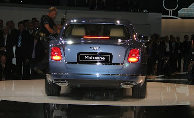 2011_Bentley_Mulsanne_Rear_View