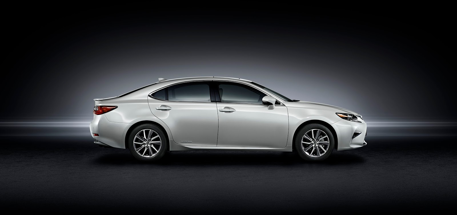 2016 Lexus ES white