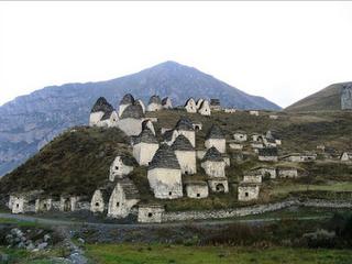 10 Kuburan Terunik Di Dunia
